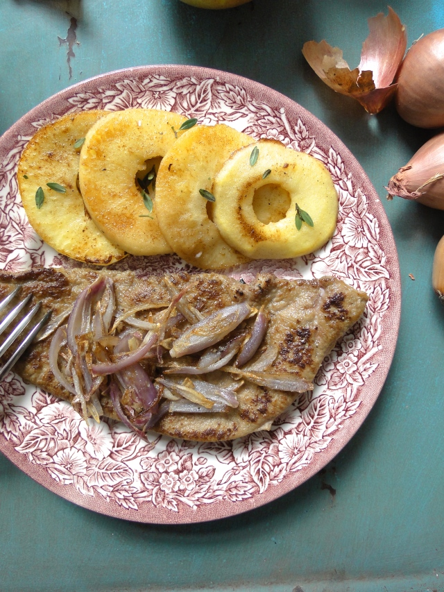 veal liver with apples & shallots