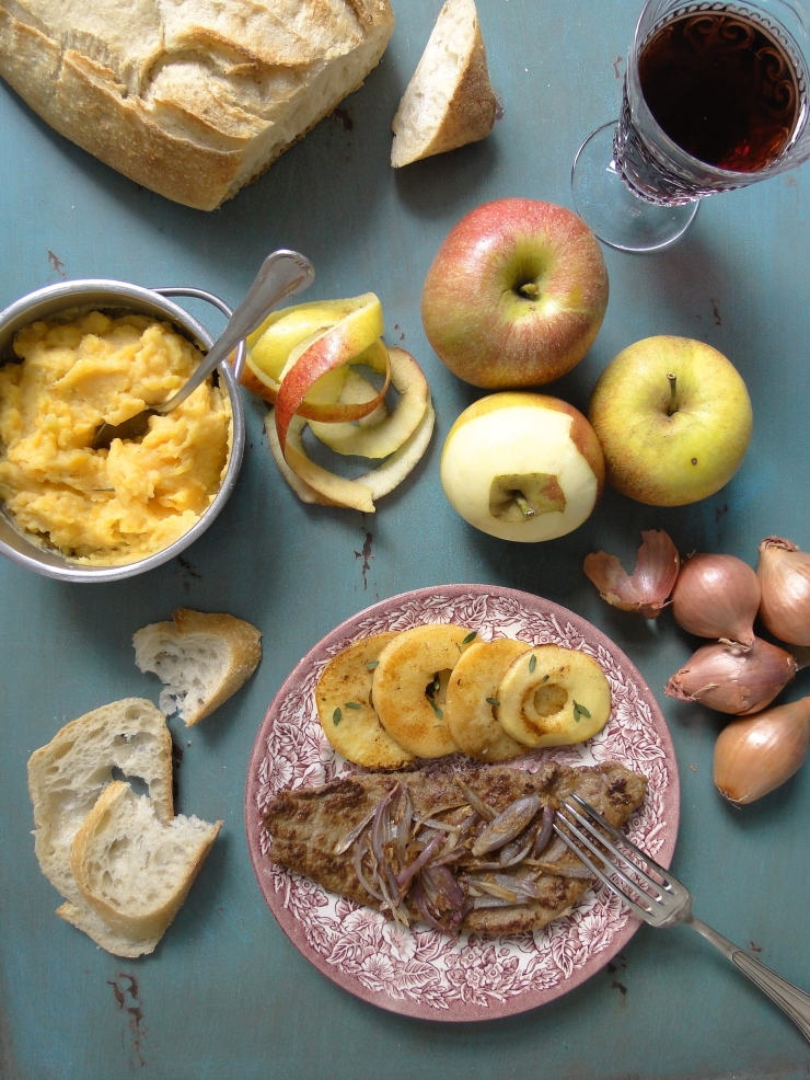 veal liver with apples and shallots