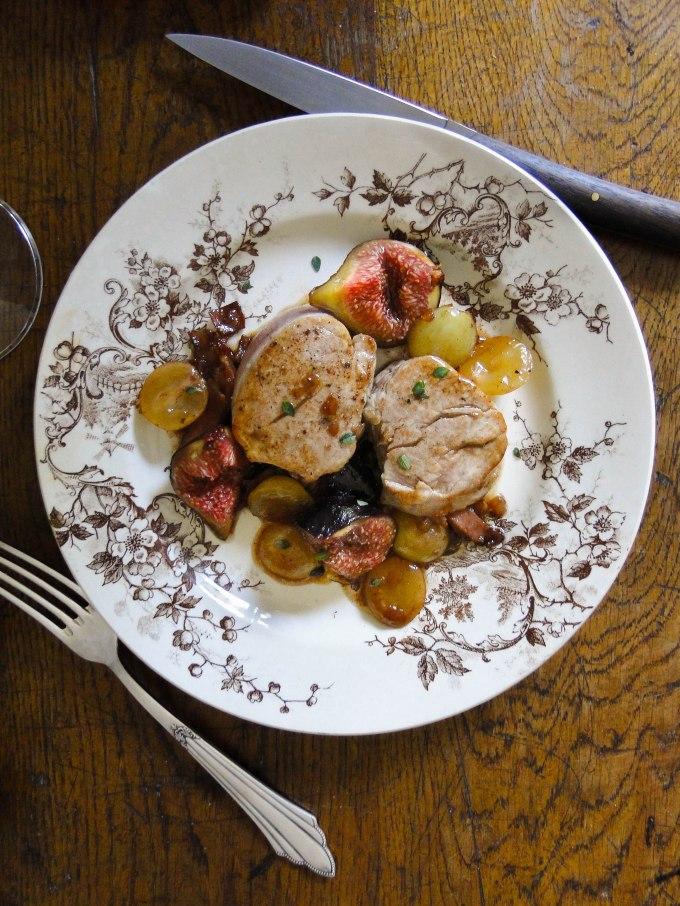 filet mignon grapes figs-6