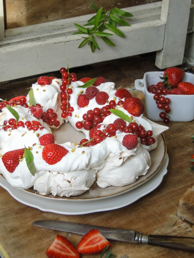 Easter meringue wreath-8